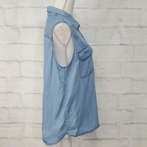 Who What Wear Tops - *3/$20* Who What Wear Chambray Sleeveless Top